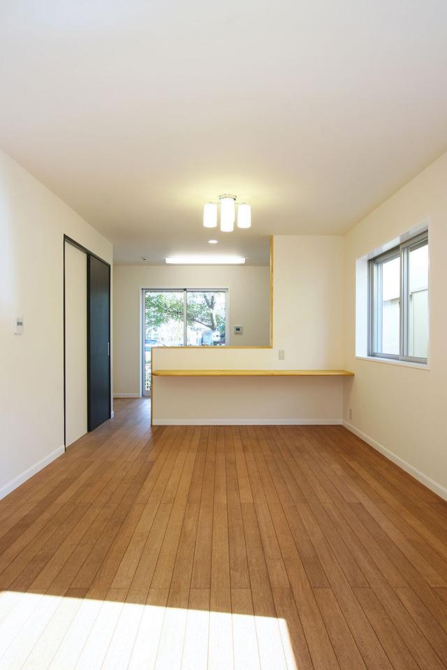 注文住宅ここち家名古屋市Y様邸キッチンを見渡せるリビング