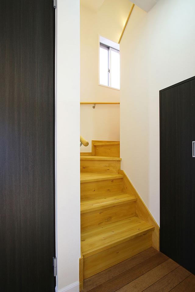 注文住宅ここち家名古屋市Y様邸階段