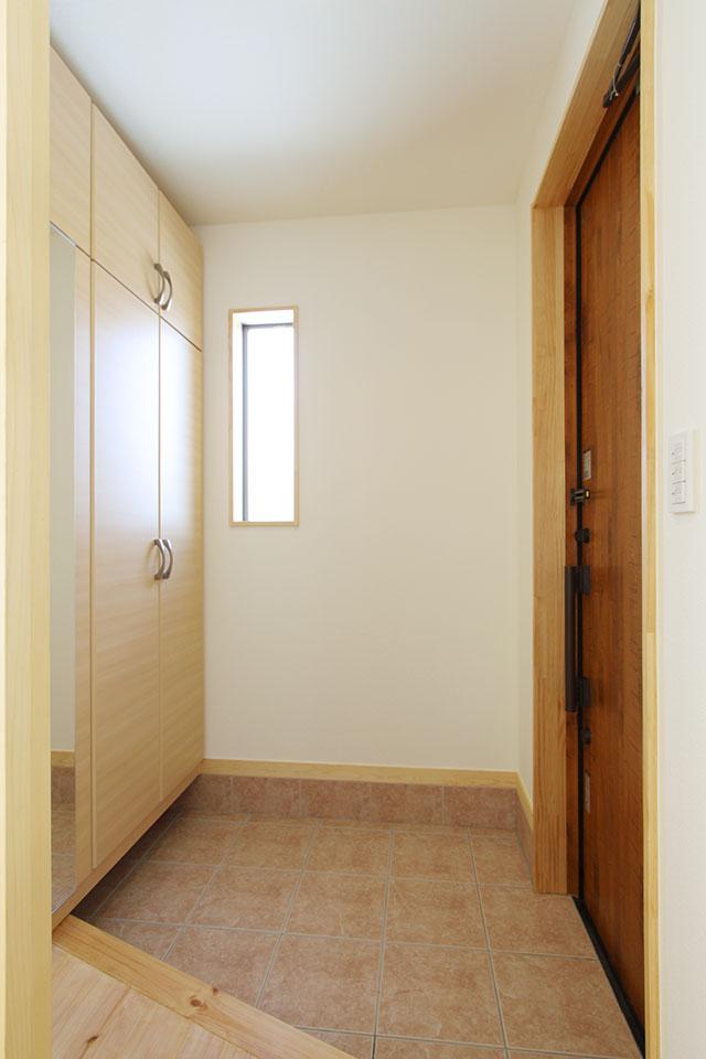 自然素材で建てる注文住宅ここち家S様邸玄関