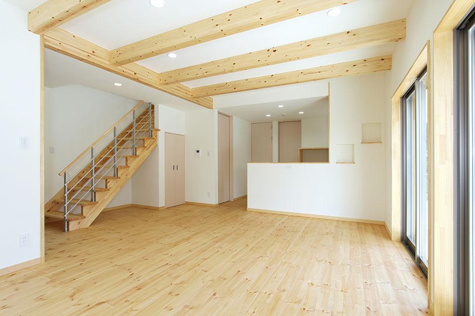 自然素材で建てる注文住宅ここち家S様邸リビング