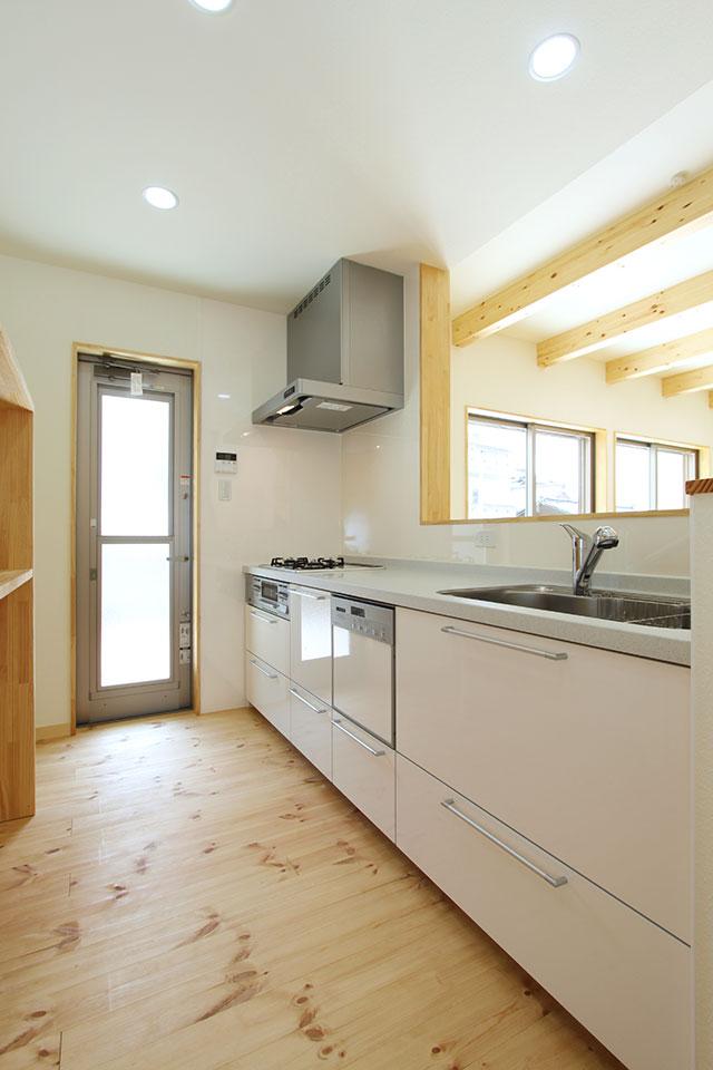 自然素材で建てる注文住宅ここち家S様邸キッチン